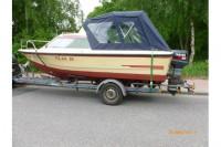 Kajütboot mit Motor und Trailer zu verkaufen