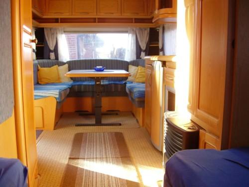 Hobby 610 ul prestige mit dachklimaanlage for Wohnwagen mit klimaanlage