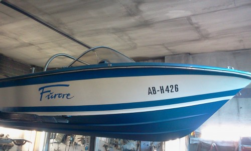 motorboot 5 20m x 1 70m motor 140 ps trailer mit t v 70 km h. Black Bedroom Furniture Sets. Home Design Ideas