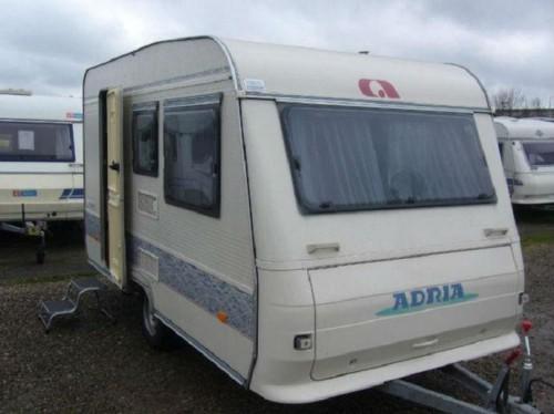 Wohnwagen Etagenbett Adria : Adria altea pk etagenbetten und festbett mit radträger