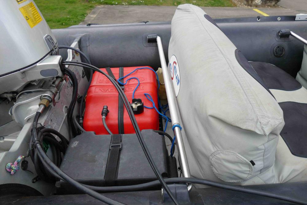 Batteriekasten und Tank