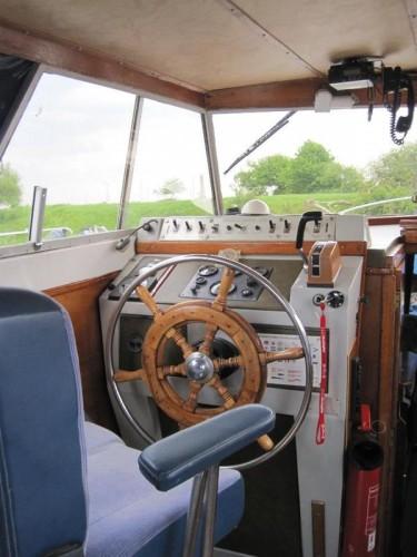 motorboot princess 32. Black Bedroom Furniture Sets. Home Design Ideas