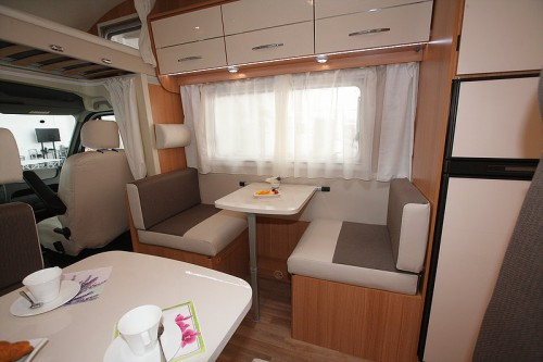 Reisemobil-mieten-fuer-2-3-4-5-6-Personen