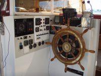 008 Cockpit-04